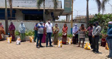 बिलासपुर नगर निगम लॉकडाउन में जरूरतमंद लोगों तक पहुंचा रहा निःशुल्क राशन पैकेट।